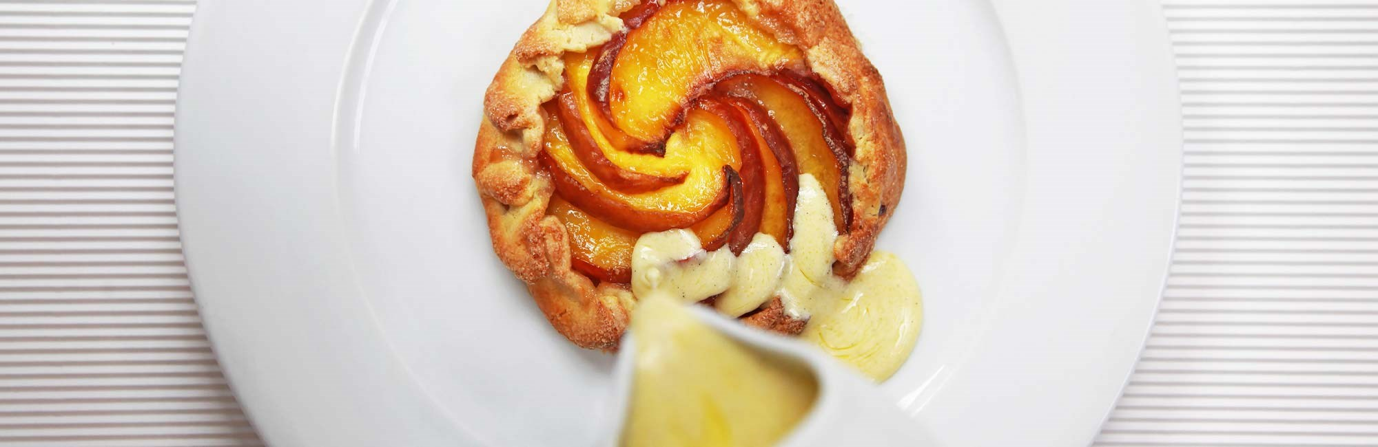 rivington shoreditch peach tart by lucy richards photography 2